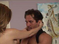 Rubia natural recibe cunnilingus en video porno en hd. Mujeres sucias con panecillos mojados como llegar al clímax después de un buen cunnilingus. En este video porno en hd una rubia caliente consigue su coño de goteo lamió muy suave