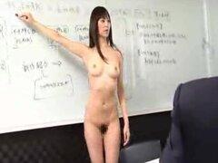 Las empleadas japonesas ir desnudas en el trabajo