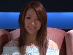 Especialidad de besos labios, estudios S1 presenta un video de fetichismo mouthliptongue con Shiori Tsukimi. Toneladas de DFK (beso profundo francés) además de las habituales escenas sexuales en videos adultos.