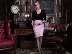 Vídeo Amateur de provocativa madura Sra. Huntingdon Smythe. HD-Sra. Huntingdon Smythe