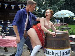 ella Hughes se la follan en el Oktoberfest - Ella Hughes por Danny D