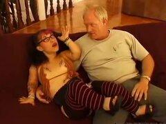 Bridget Powers consigue su culo enano follada por Dick nasty enano corridas enanos tragar