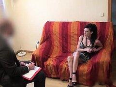 Milf española se folla a su psiquiatra